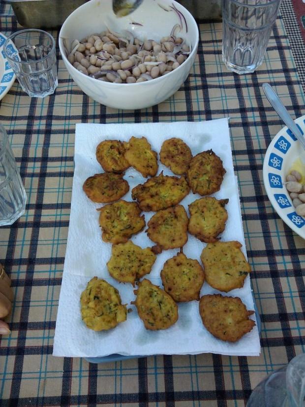 Frittelle di farina di ceci e zucchine