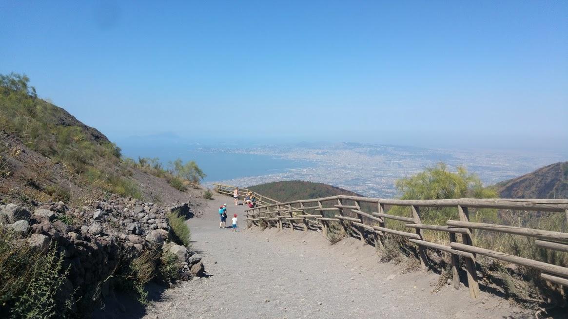 La vista scendendo dal cratere - Vulcani