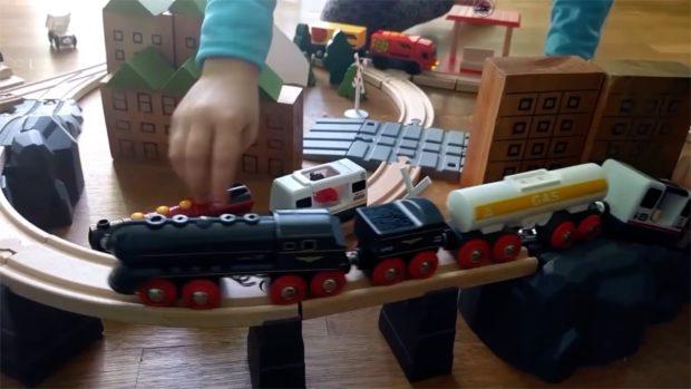 treno sul ponte