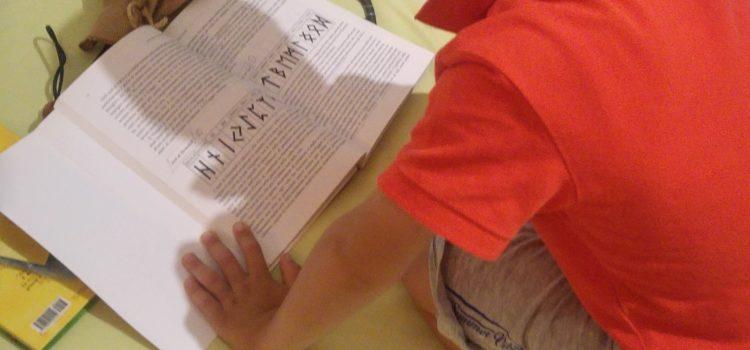 Rune, la magia della scoperta delle lettere alchemiche